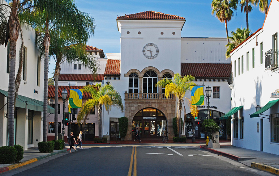 Photo of downtown Santa Barbara